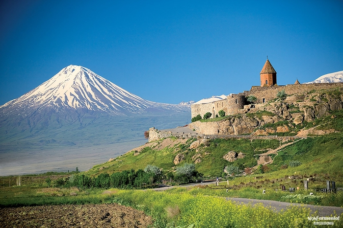 アルメニア] 文明の交差路・古きキリスト教国家 | ムジカ、むかし、お ...
